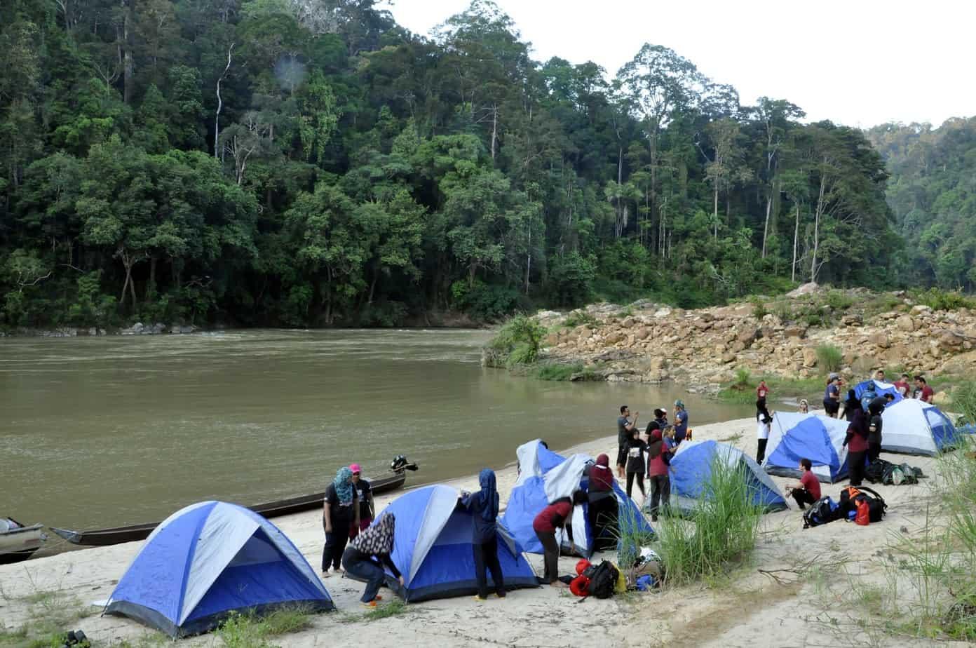 Taman Negara Camping river site